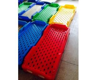 幼儿园中午床,成都幼儿园注塑床,四川幼儿塑料重叠床