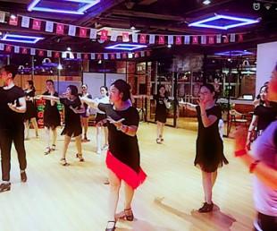 江夏爵士舞培训,江夏银河之星舞蹈零基础 小班授课