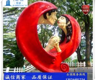 爱情雕塑小品-人物亲吻雕塑定制-小品情侣雕塑图片