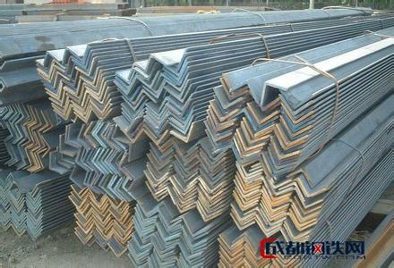 大量供应各种型号的等边角钢
