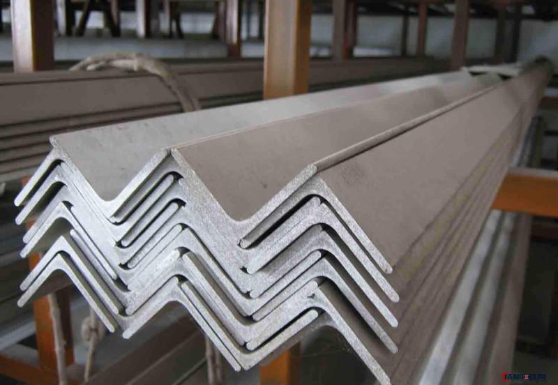 云南昆明钢材 云南昆明钢材市场镀锌角钢