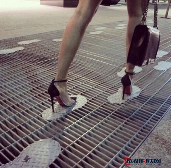 金栏钢格板,平台踏步板,扁钢钢格板,钢板网护栏,扭钢303水沟盖板,工业吊顶重载钢格板