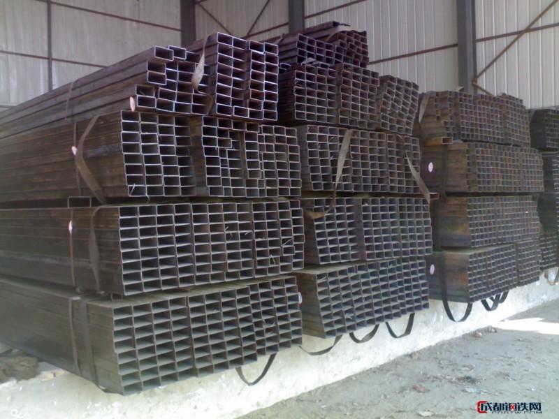 优质热镀锌方矩管切割25x40x3.0方矩管施工用途