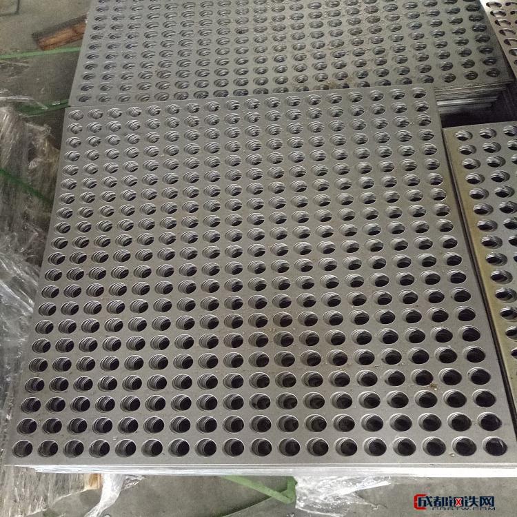 耀科 厂家直销 宁夏 不锈钢卷板冲孔网 消音冲孔网 圆孔冲孔网