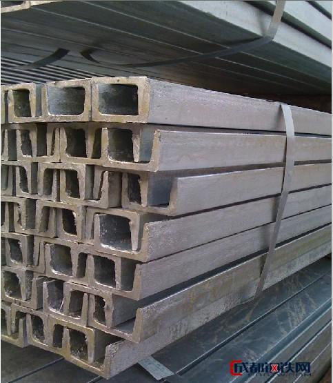 低价热镀锌型材 热镀锌角钢 槽钢 金属角钢