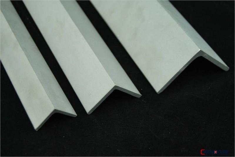 厂家供应 不锈钢角钢 304不锈钢角钢 库存充足一站式采购