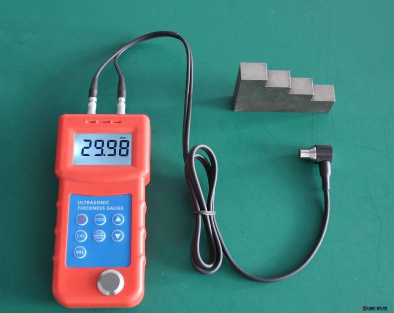 青岛拓科UM6800高精度铝合金管超声波测厚仪