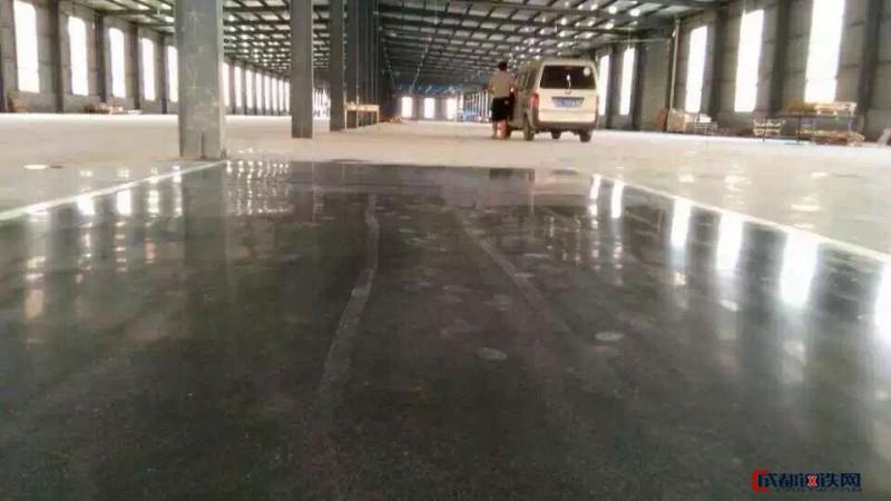 企石仓库地面硬化抛光-石排金刚砂起灰固化处理-茶山耐磨钢化地坪