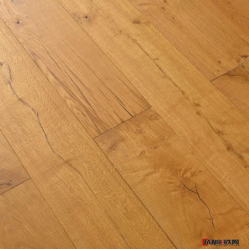 耐磨防水橡木复合地板  强化复合地板  欢迎咨询