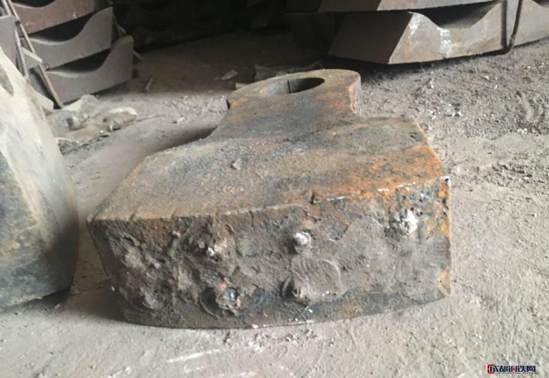 鑫清牌锤式破碎机锤头 高锰钢合金锤头 耐磨锤头 耐磨铸件 比高锰钢耐磨5倍