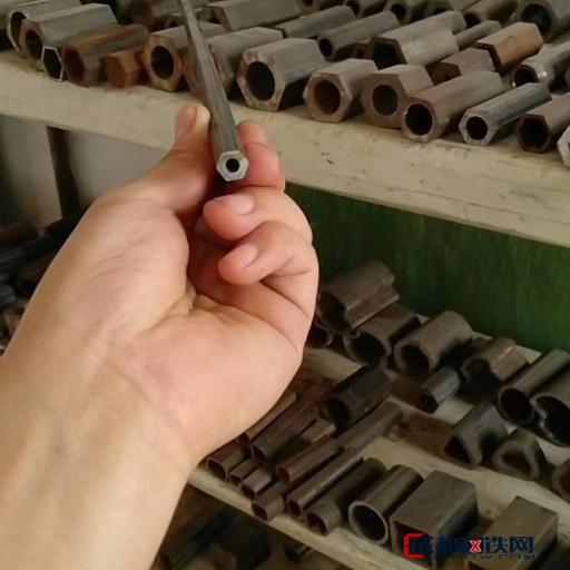 福建精密鋼管小口徑精密鋼管精軋鋼管異型管熱軋冷拔無縫管