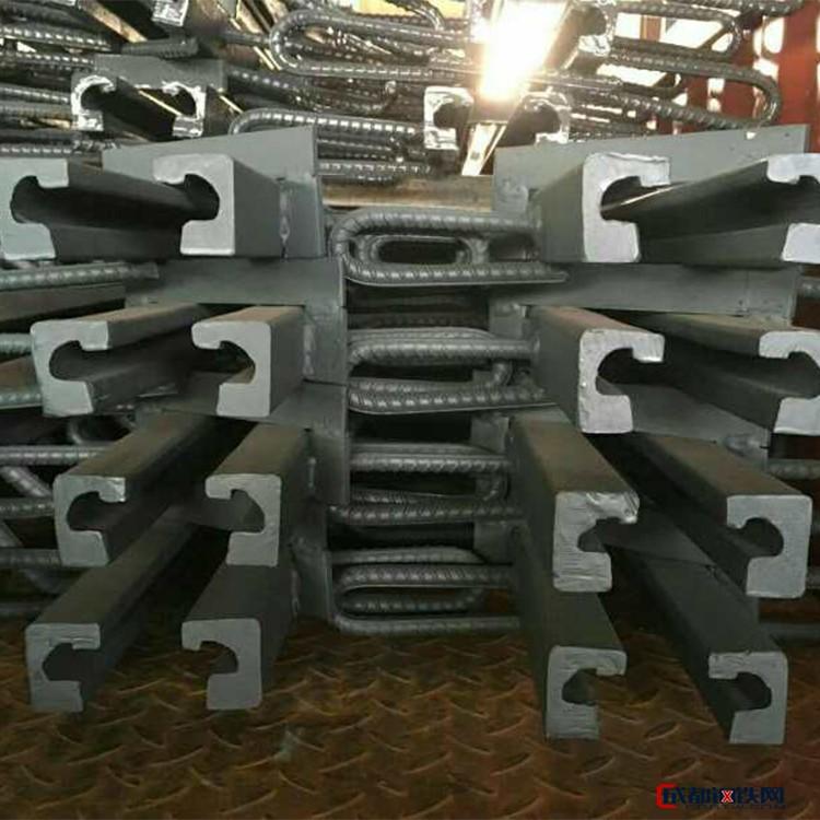 专业生产 桥梁梳齿板伸缩缝 z型桥梁伸缩缝 桥梁型钢伸缩缝 诚信商机